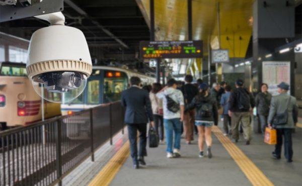 AI搭載カメラで駅員の無人化・省人化を目指す 不正乗車対策などに活用