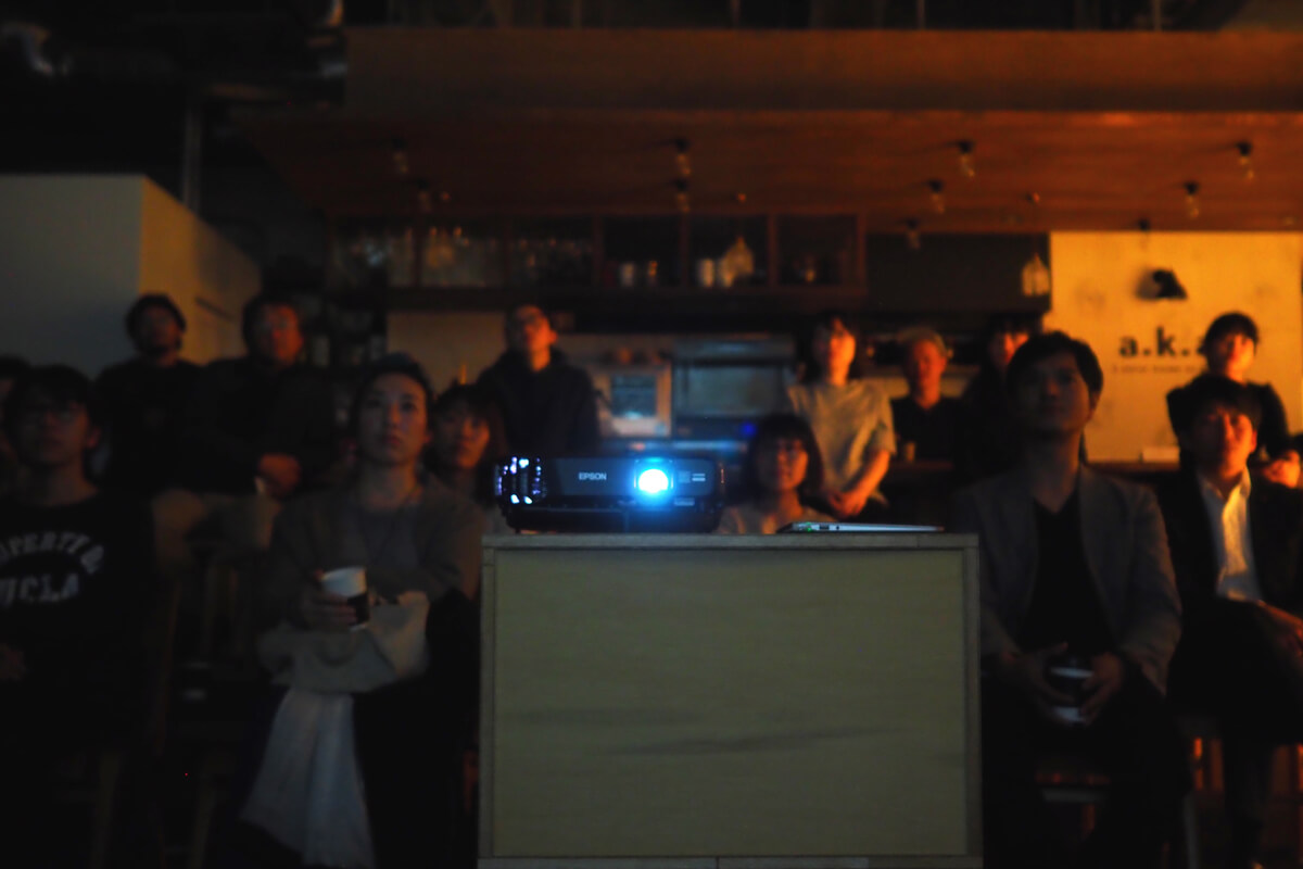 映画を軸にしたコミュニティを形作るマイクロシアター「popcorn」