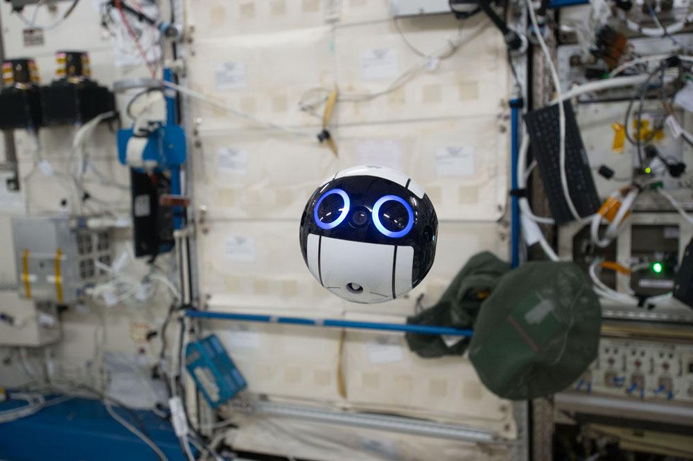 ドローンは宇宙も飛び回る。JAXA独自開発で広がる新たな可能性