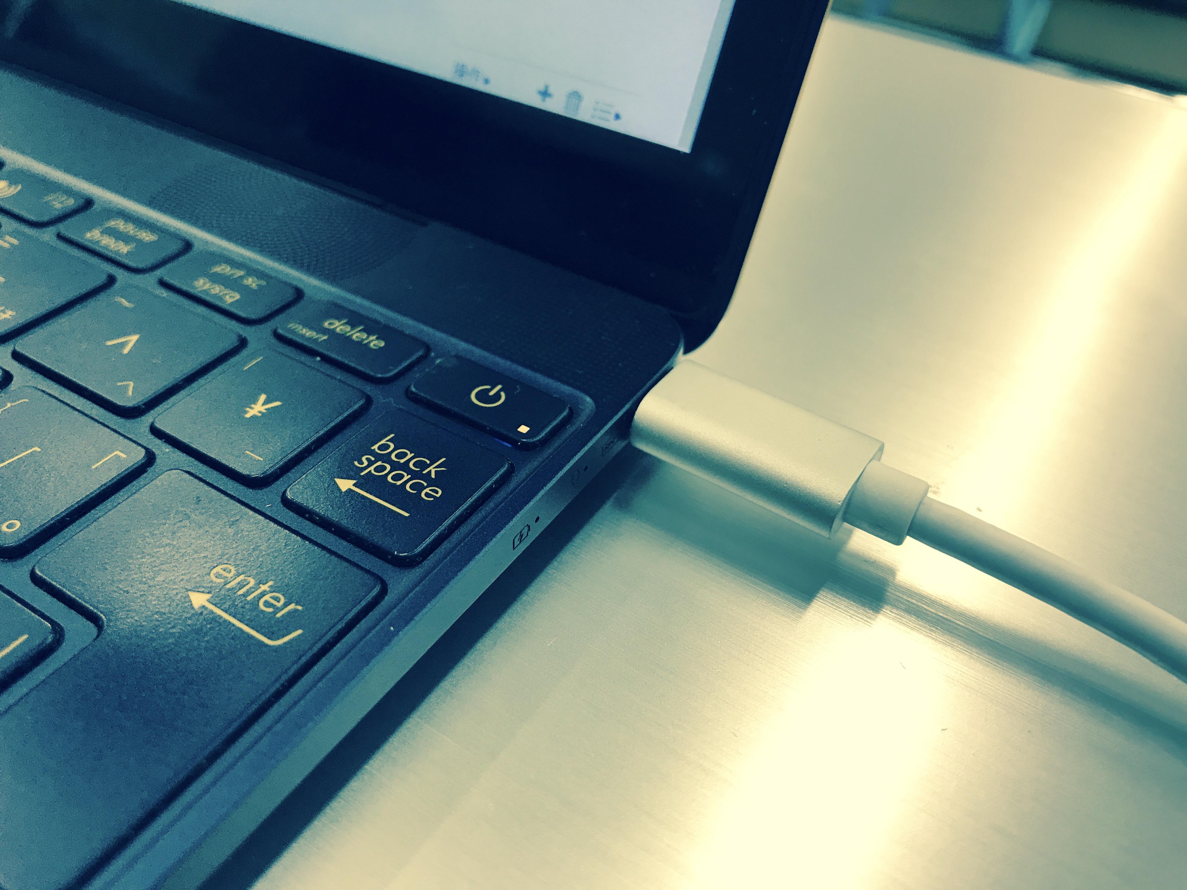 iPhoneは「USB Type-C」デファクトスタンダード化の鍵となるか?