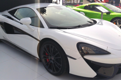 ポルシェ、BMW、日産、自動車メーカーが「ドローン」フィーチャー映像を放つ理由
