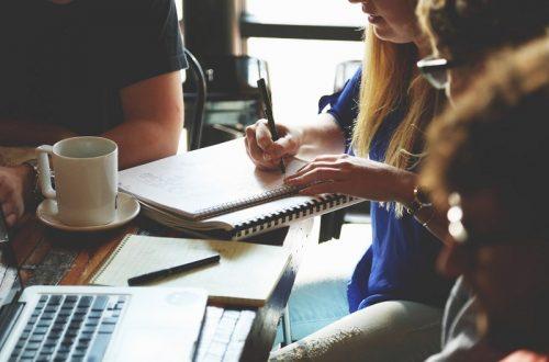 """組織には""""ストーリー""""が不可欠になる?企業や自治体で活躍する「チーフ・ストーリーテラー」の役割"""