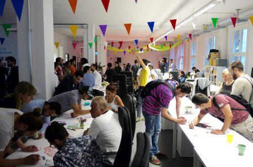 """難民にプログラミングの学習支援を。ザッカーバーグも注目するベルリンの""""難民のための学校"""""""
