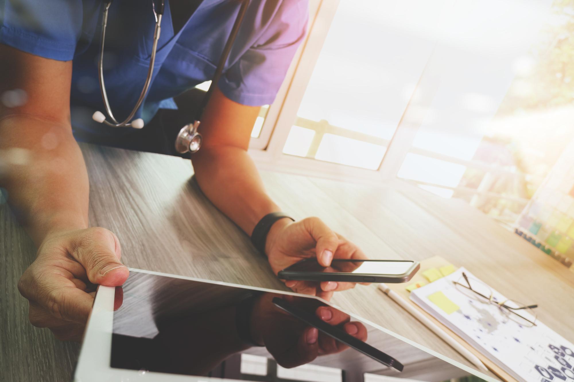 「チャットボット型電子カルテ」は医師と患者のコミュニケーション問題をクリアする!医療系AIスタートアップのNAMが提供を開始