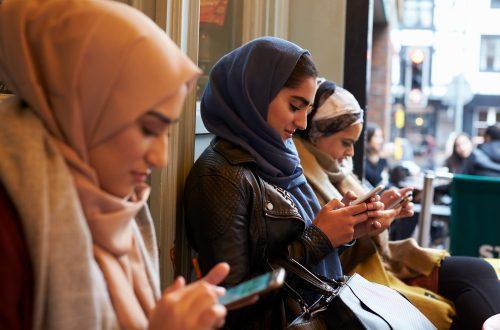 世界経済を動かす消費パワー、台頭する「ミレニアル・ムスリム」の姿
