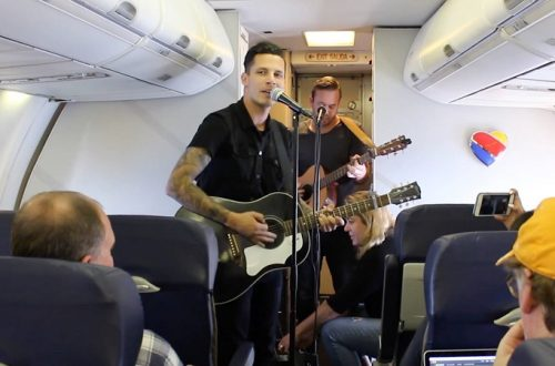 機内や空港で音楽ライブ!世界最大のLCC「サウスウエスト航空」が音楽事業に進出