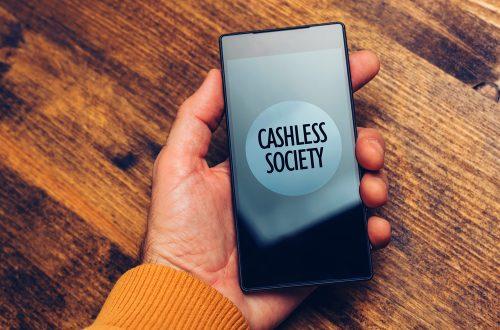 キャッシュレスの波は社内にも。QRコードによる決済サービス「Mamoru Pay」が業務効率化を促進