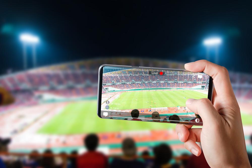 「LINE」と野球観戦が融合。スマホを利用した「スマートスタジアム」で新しいスポーツ観戦を実現