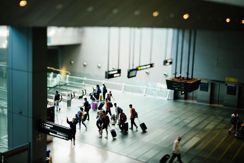 人々が旅しながら暮らす時代には、旅行のお供「スーツケース」も進化する