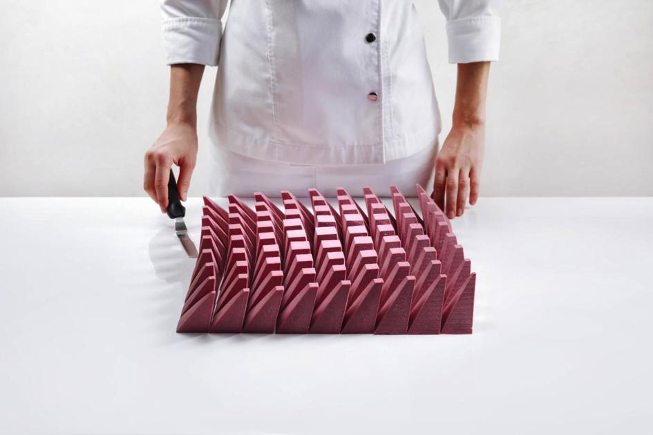 建築とパティスリーの融合。アルゴリズム技法を取り入れたチョコレートデザイン