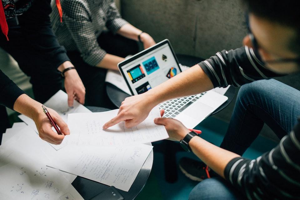 評価経済社会で進む企業とファンの共生関係。次世代のサービスはどう生き残る?