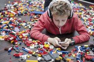 子供の教育に親が求めるのは「学習アプリ」。子供をもつ親世代への調査