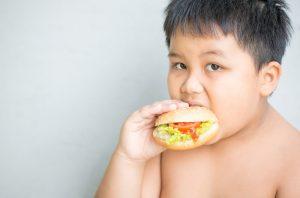 6,000万人超え、中国で肥満人口が爆発する理由〜子ども向け「脂肪燃焼ブートキャンプ」も