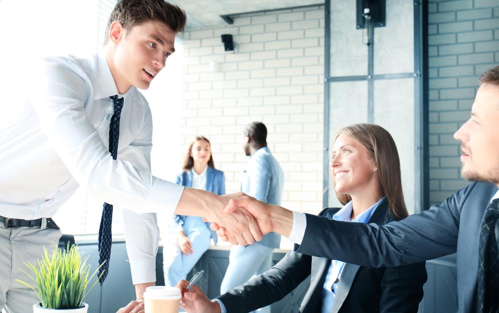 ビジネスを加速させる顧問人材の活用。業界初の経営顧問に特化したダイレクト・リクルーティングサイト
