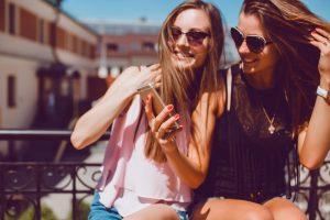 国内外で結果がわかれる女性のFacebookを通した購買行動。SNSユーザー調査にみるビジネスヒント