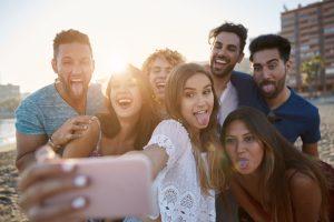 ミレニアル世代は「思い出」に金を出す。海外の人気ブランドが「旅」を売り始める