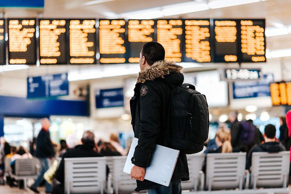 インステックが常識を変える。国境を越えたら旅行保険に自動加入できる、デジタルノマド向けサービス