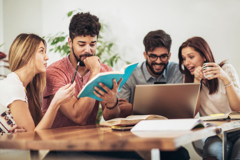 インターンシップの就活での優位性は確実?学生にとっても企業にとっても無視できない存在に