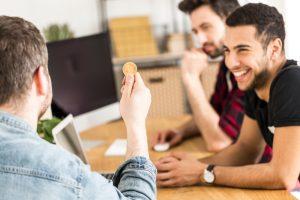 """評価によって""""社内仮想通貨""""がリワードとして付与。新しいモチベーション向上を作る「コミュニティオ」"""