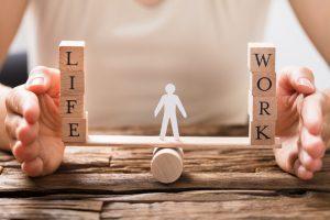 若年層の約9割が転職時に「休暇のとりやすさ」を最優先。大きく変わる働き手の価値観