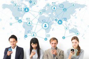 SNSが生み出すコミュニケーション。全年代が知っておくべき4つのソーシャル・ネットワーキング・サービス