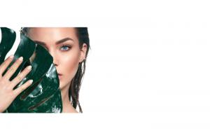 今海外で「ウォーターレスビューティ」が支持される理由ーー水を使わない化粧品が続々登場