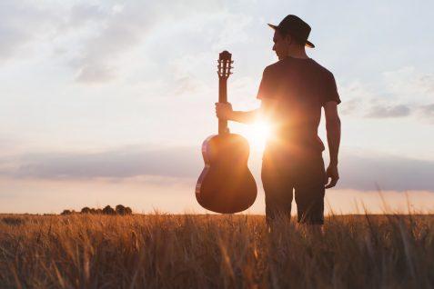"""アーティストのチャンスを創造する""""音楽家""""特化のクラウドソーシングは、音楽家の価値を上げられるか"""