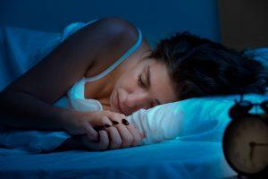 日本初の「睡眠報酬制度」ーー6時間以上の睡眠で会社から報酬