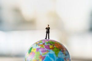 外国人労働者の増加はいいことかどうか?年代別の意識調査からみえてくること