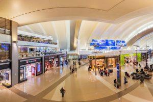 空港が旅の新たな目的地に~ブランド品衝動買いの理想郷、中国人ターゲットに体験型広告が続々