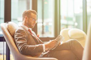 """""""忙しい""""は言い訳にならない。読書実態調査で多忙な人ほど本を読んでいる結果に"""