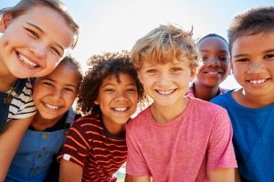 100%の親が子どもへの金融教育を必要と感じている。キャッシュレス化が高める子どもの金融リテラシー