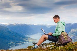 リモートワーク時代、自由に旅しながら働くための5つのサービス