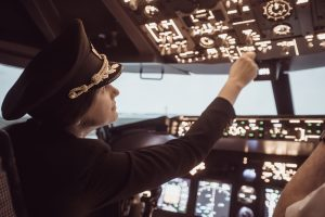 「パイロット=男性」の常識覆すインド〜世界平均の2倍、空で女性が活躍する理由