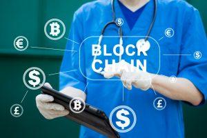 ブロックチェーンで医療情報を貯蓄する医療用チャットボット「ドクターQ」