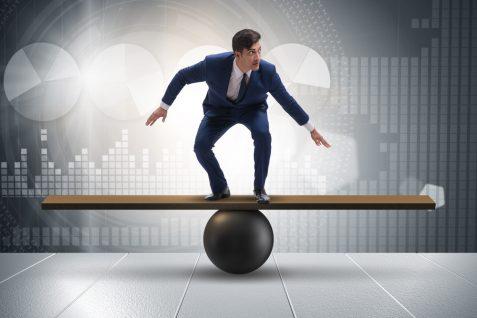 「副業全面許可のほうが会社へのロイヤリティ、本業のパフォーマンスが高まる」との調査結果