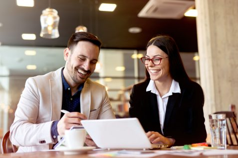 働き方改革の恋愛への影響。5割以上が余暇を「恋人と過ごしたい」